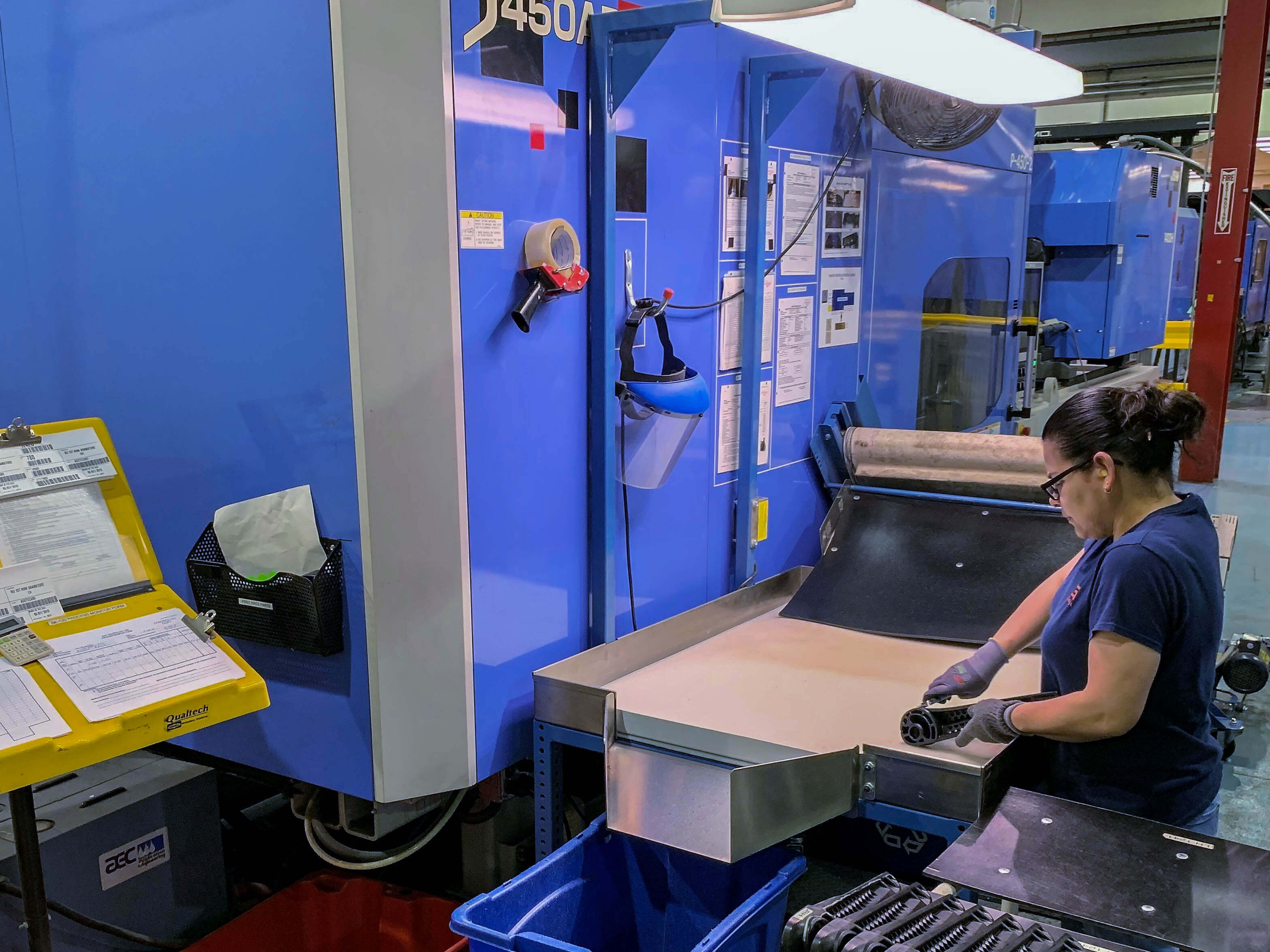 INJECTION MOLDING- Our Machinery 4